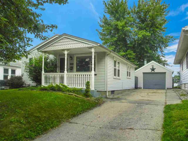 1323 S 6TH, Pekin, IL 61554 (#1195795) :: Adam Merrick Real Estate