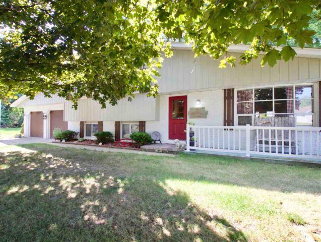 9801 W Guinivere Drive, Mapleton, IL 61547 (#PA1207620) :: Adam Merrick Real Estate