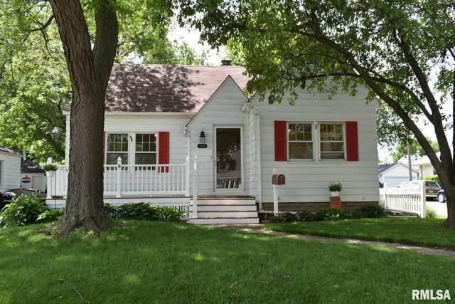 227 W 31ST Street, Davenport, IA 52803 (#QC4212623) :: Killebrew - Real Estate Group