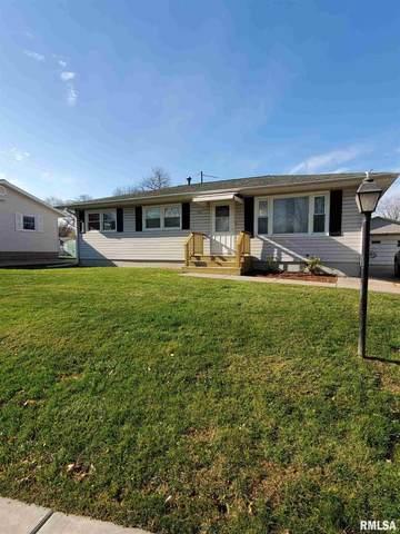 7904 8 1/2 Street West, Rock Island, IL 61201 (#QC4217195) :: RE/MAX Professionals