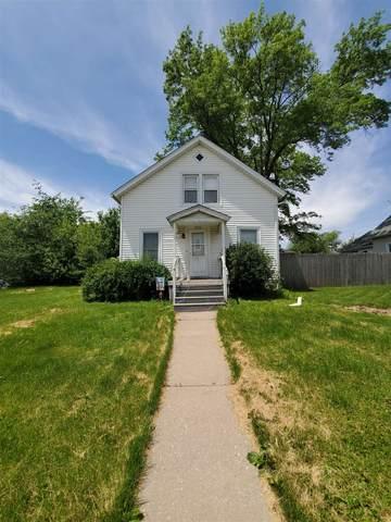 2704 Dubuque Street, Davenport, IA 52803 (#QC4222689) :: RE/MAX Preferred Choice