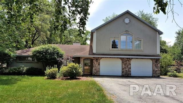 3302 E Cedar Hills Drive, Chillicothe, IL 61523 (#1184891) :: Adam Merrick Real Estate