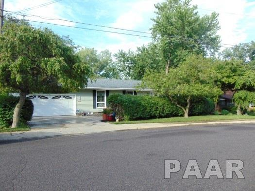 210 Oakwood Circle, Washington, IL 61571 (#1185209) :: RE/MAX Preferred Choice