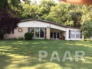 3536 W Elmwood, Peoria, IL 61615 (#1185909) :: Adam Merrick Real Estate