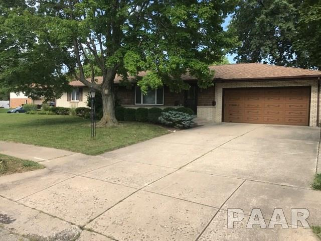 5004 N Dawn, Peoria, IL 61614 (#1186102) :: Adam Merrick Real Estate