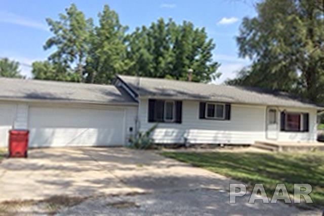 505 W Peoria Street, Elmwood, IL 61529 (#1186719) :: Adam Merrick Real Estate