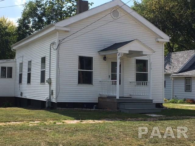 214 W Spruce, Canton, IL 61520 (#1188099) :: Adam Merrick Real Estate