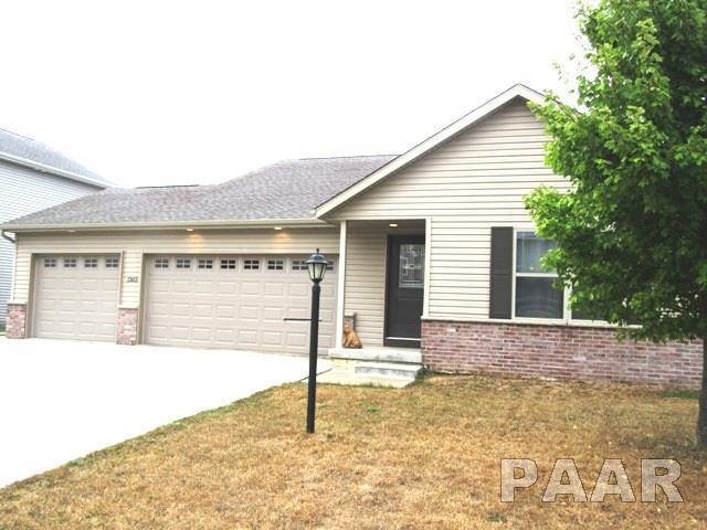 1303 River Birch Drive, Chillicothe, IL 61523 (#1188351) :: Adam Merrick Real Estate