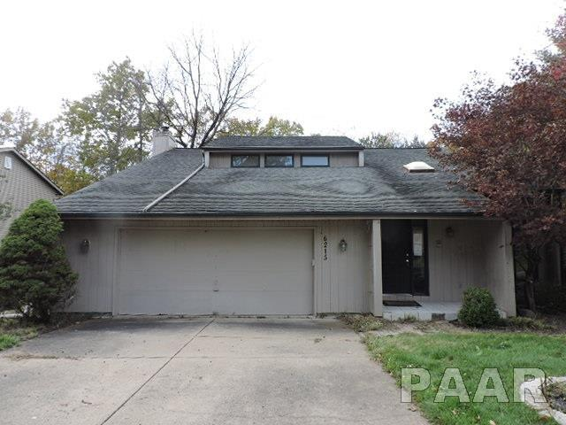 6215 N Suffolk Drive, Peoria, IL 61615 (#1189175) :: Adam Merrick Real Estate