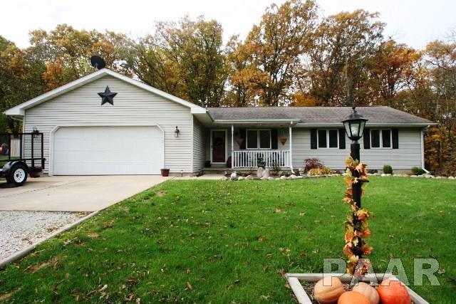 9 Victoria Way, Mackinaw, IL 61755 (#1189189) :: Adam Merrick Real Estate