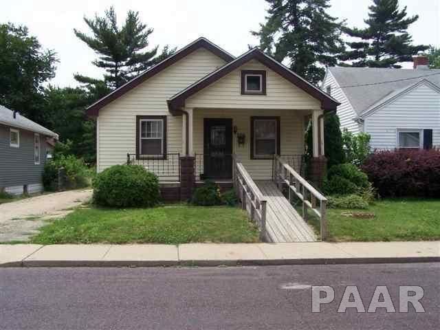 726 E Maywood Avenue, Peoria, IL 61603 (#1189225) :: Adam Merrick Real Estate