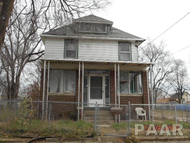 1110 S Blaine Street, Peoria, IL 61605 (#1189800) :: Adam Merrick Real Estate