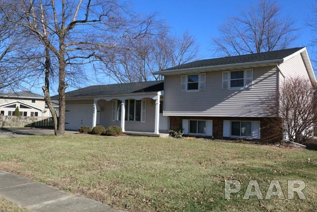305 Barbara Parkway, Washington, IL 61571 (#1189894) :: RE/MAX Preferred Choice