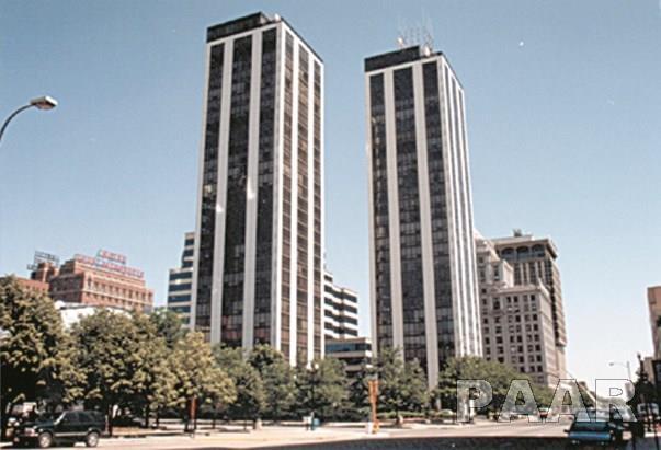 125 SW Jefferson 15C, Peoria, IL 61602 (#1190439) :: Adam Merrick Real Estate