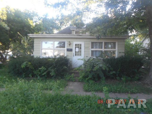 1405 N Benedict Street, Chillicothe, IL 61523 (#1190442) :: Adam Merrick Real Estate