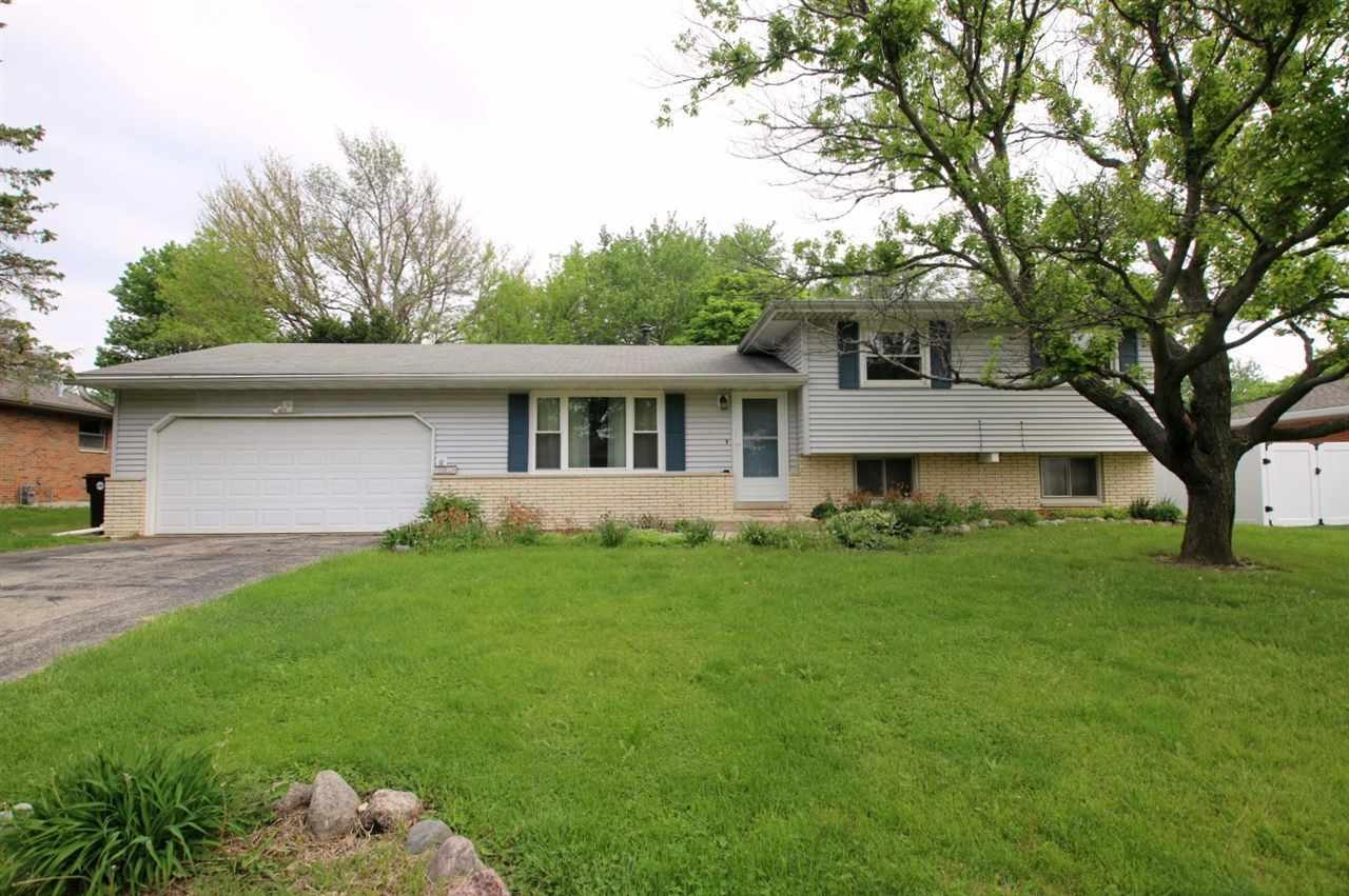 225 E Oakwood Street, Morton, IL 61550 (#1190451) :: Adam Merrick Real Estate