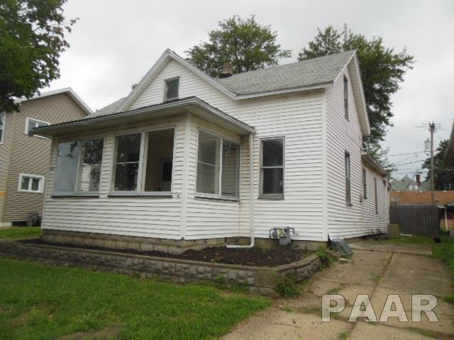 525 State Street, Pekin, IL 61554 (#1190804) :: Adam Merrick Real Estate
