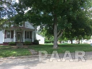 743 E Pine Street, Canton, IL 61520 (#1190813) :: Adam Merrick Real Estate