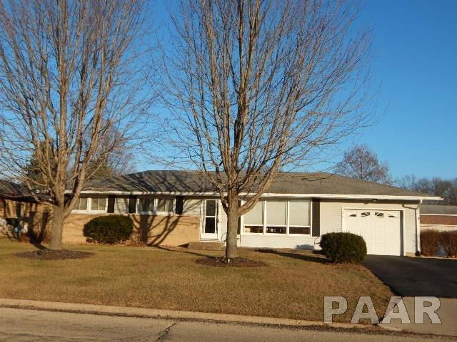 218 Illini Drive, East Peoria, IL 61611 (#1190943) :: Adam Merrick Real Estate