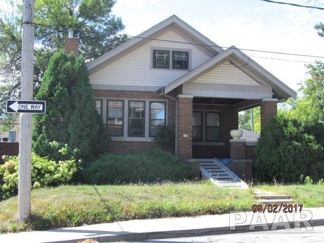 106 W Beverly Court, Peoria, IL 61604 (#1191241) :: Adam Merrick Real Estate