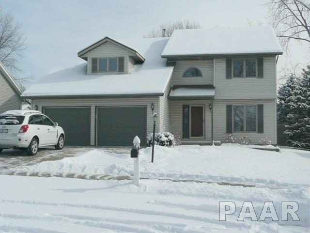 5504 N Cedarwilde, Peoria, IL 61615 (#1191246) :: Adam Merrick Real Estate
