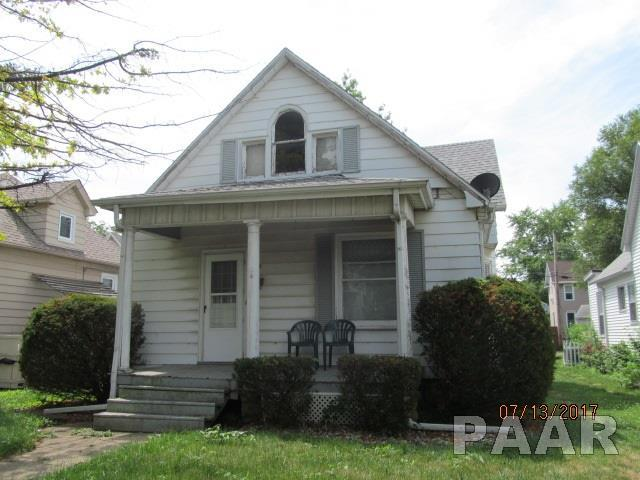 928 Highland, Pekin, IL 61554 (#1191344) :: Adam Merrick Real Estate