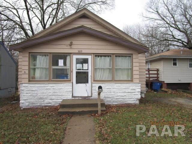 3819 N Illinois Avenue, Peoria Heights, IL 61616 (#1191404) :: RE/MAX Preferred Choice