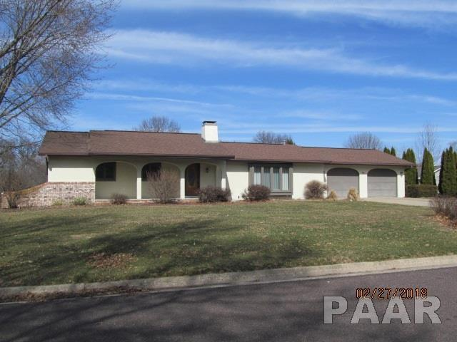 5 Olympia Fields Drive, Pekin, IL 61554 (#1191761) :: Adam Merrick Real Estate
