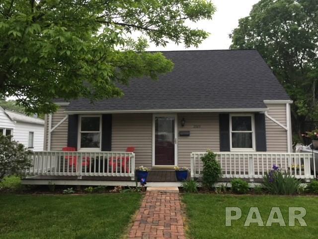 2925 N St Philomena Court, Peoria, IL 61604 (#1192400) :: Adam Merrick Real Estate