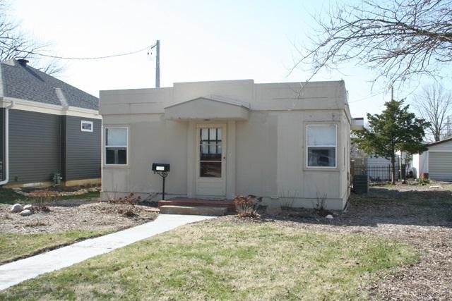 1208 E Kingman Avenue, Peoria Heights, IL 61616 (#1193273) :: Adam Merrick Real Estate