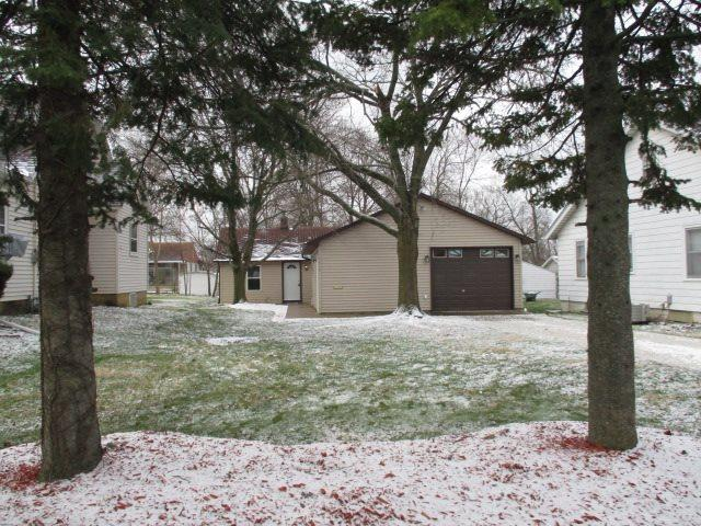 1410 E Seiberling Avenue, Peoria Heights, IL 61616 (#1193274) :: Adam Merrick Real Estate