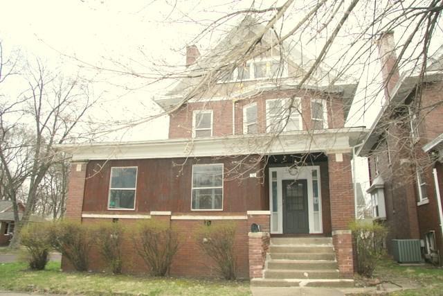 1418 NE Perry Avenue, Peoria, IL 61603 (#1193546) :: Adam Merrick Real Estate