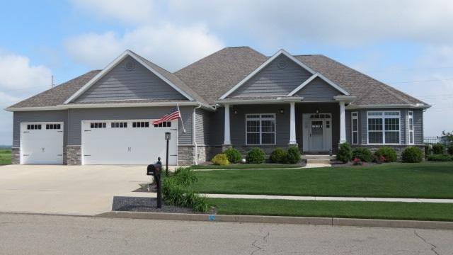 1707 W Fieldstone Street, Chillicothe, IL 61523 (#1193619) :: Adam Merrick Real Estate