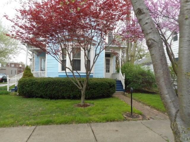 914 N Douglas Street, Peoria, IL 61606 (#1193938) :: Adam Merrick Real Estate