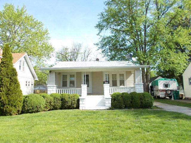 2421 W Ayres Avenue, West Peoria, IL 61604 (#1194243) :: Adam Merrick Real Estate