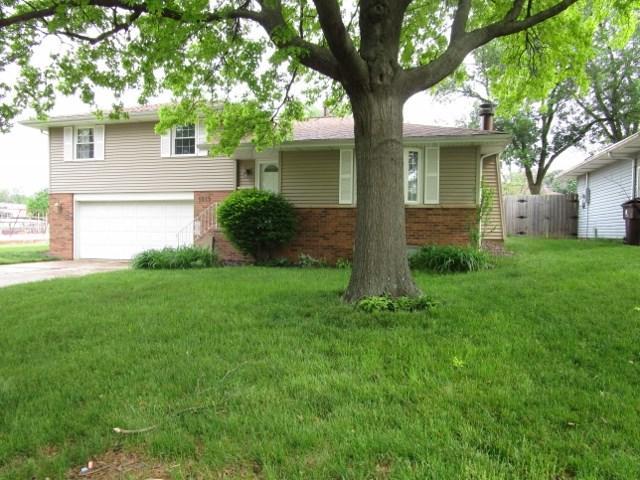 1819 W Latham, Peoria, IL 61614 (#1194469) :: Adam Merrick Real Estate