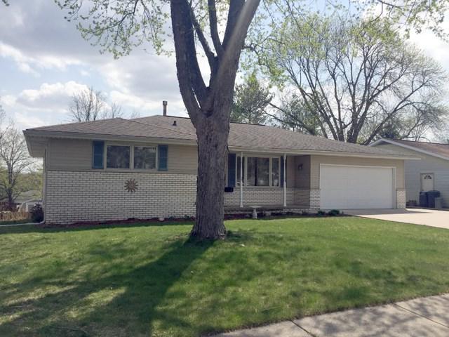 3202 W Wilshire Drive, Peoria, IL 61614 (#1194632) :: Adam Merrick Real Estate