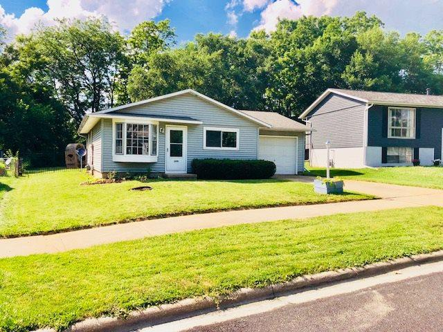 3819 W Brighton Avenue, Peoria, IL 61615 (#1195609) :: Adam Merrick Real Estate