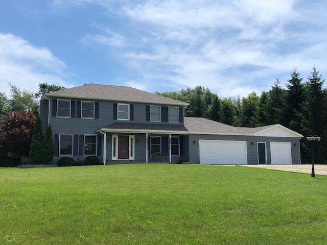 21020 N Deer Bluffs Drive, Chillicothe, IL 61523 (#1195765) :: Adam Merrick Real Estate