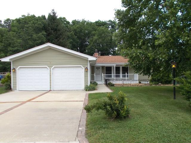 9 Haylake Drive, Pekin, IL 61554 (#1195844) :: Adam Merrick Real Estate