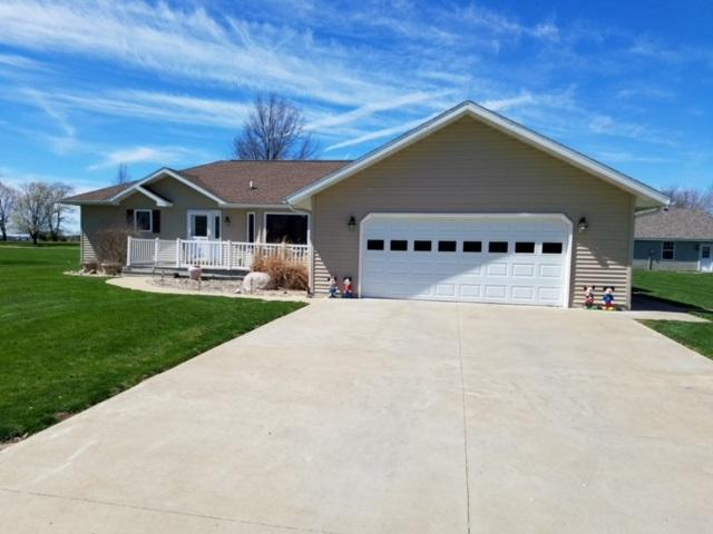 1303 N Jackson Street, Bushnell, IL 61422 (#1196372) :: Adam Merrick Real Estate