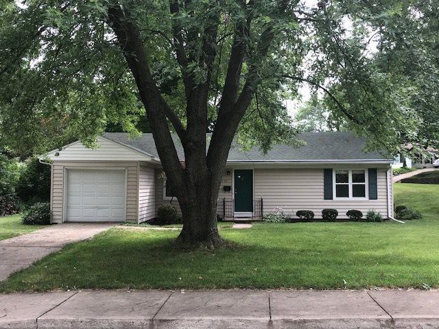 330 W Stonegate Road, Peoria, IL 61614 (#1196638) :: Adam Merrick Real Estate