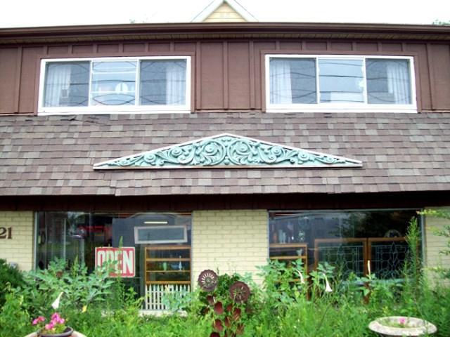 621 E Lake, Peoria, IL 61614 (#1196646) :: Adam Merrick Real Estate