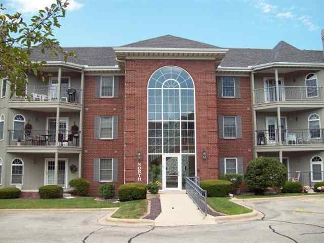 5200 N Knoxville 102N, Peoria, IL 61614 (#1196694) :: Adam Merrick Real Estate