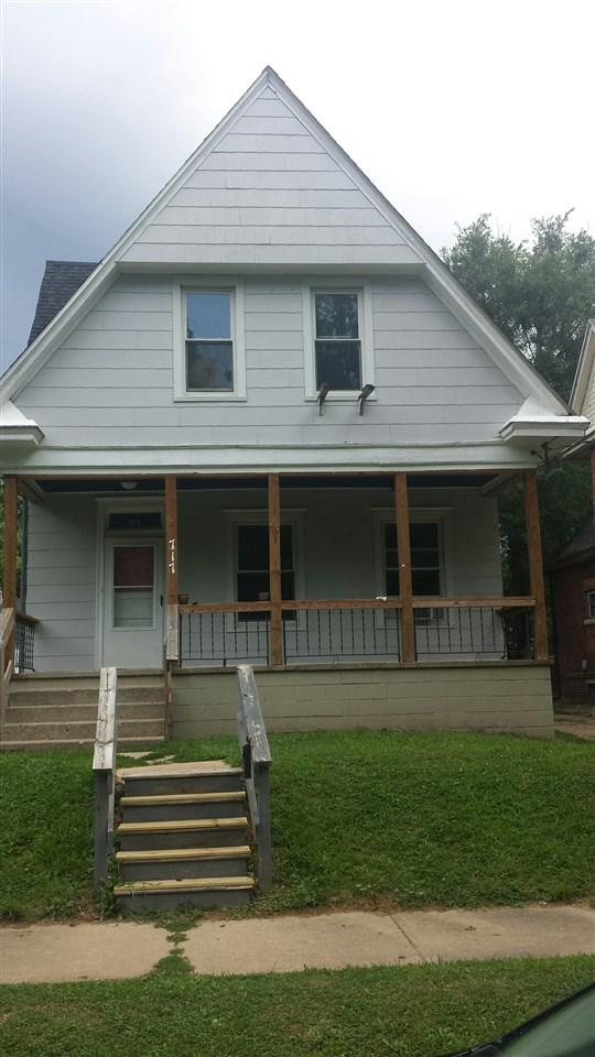 717 E Illinois Street, Peoria, IL 61603 (#1197162) :: Adam Merrick Real Estate