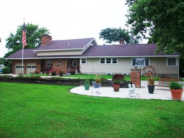 75 N Park Drive, Canton, IL 61520 (#1197449) :: RE/MAX Preferred Choice
