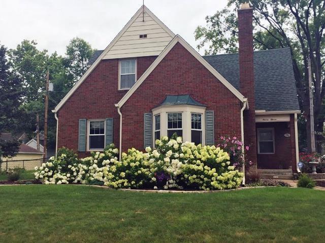 1111 E Richwoods, Peoria, IL 61603 (#1198282) :: Adam Merrick Real Estate