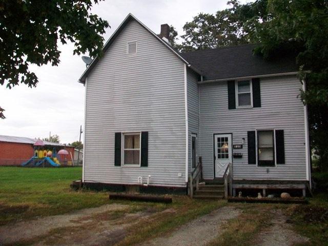 439 S 4TH Avenue, Canton, IL 61520 (#1198593) :: Adam Merrick Real Estate