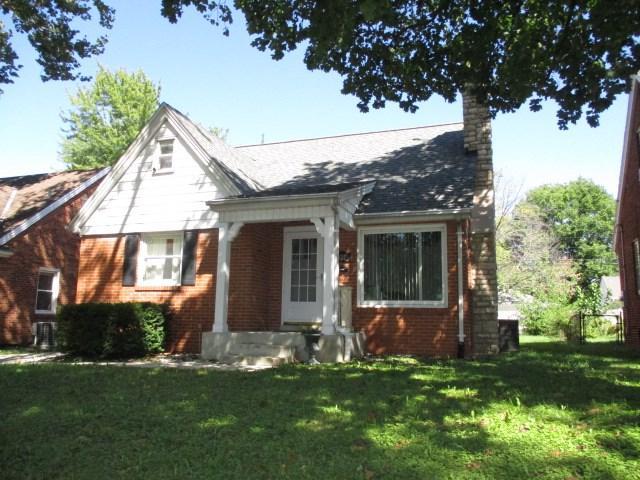1027 E Fairoaks Avenue, Peoria, IL 61603 (#1198635) :: Adam Merrick Real Estate