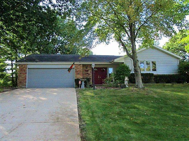 2816 W Richwoods, Peoria, IL 61604 (#1198925) :: Adam Merrick Real Estate